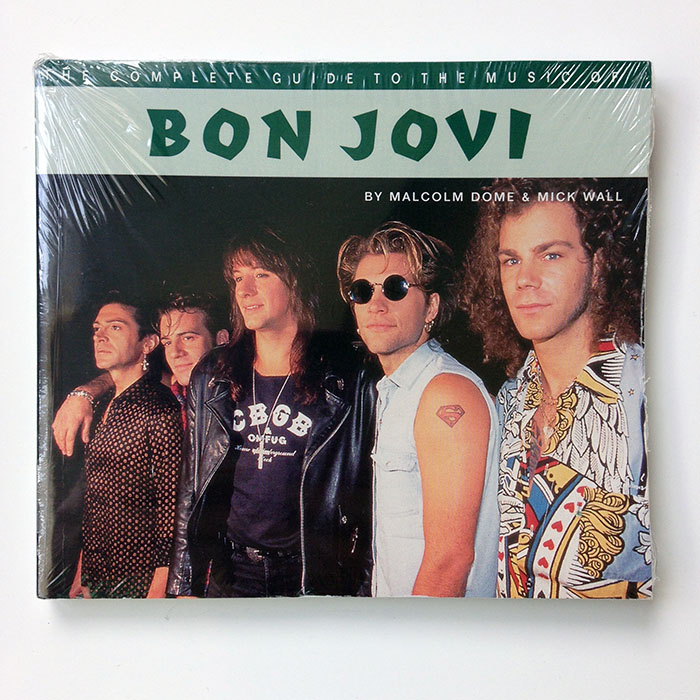 BON JOVI (The complete guide to the music of…) - Paperback book by Malcolm Dome & Mick Wall (ISBN: 0-7119-5305-8)